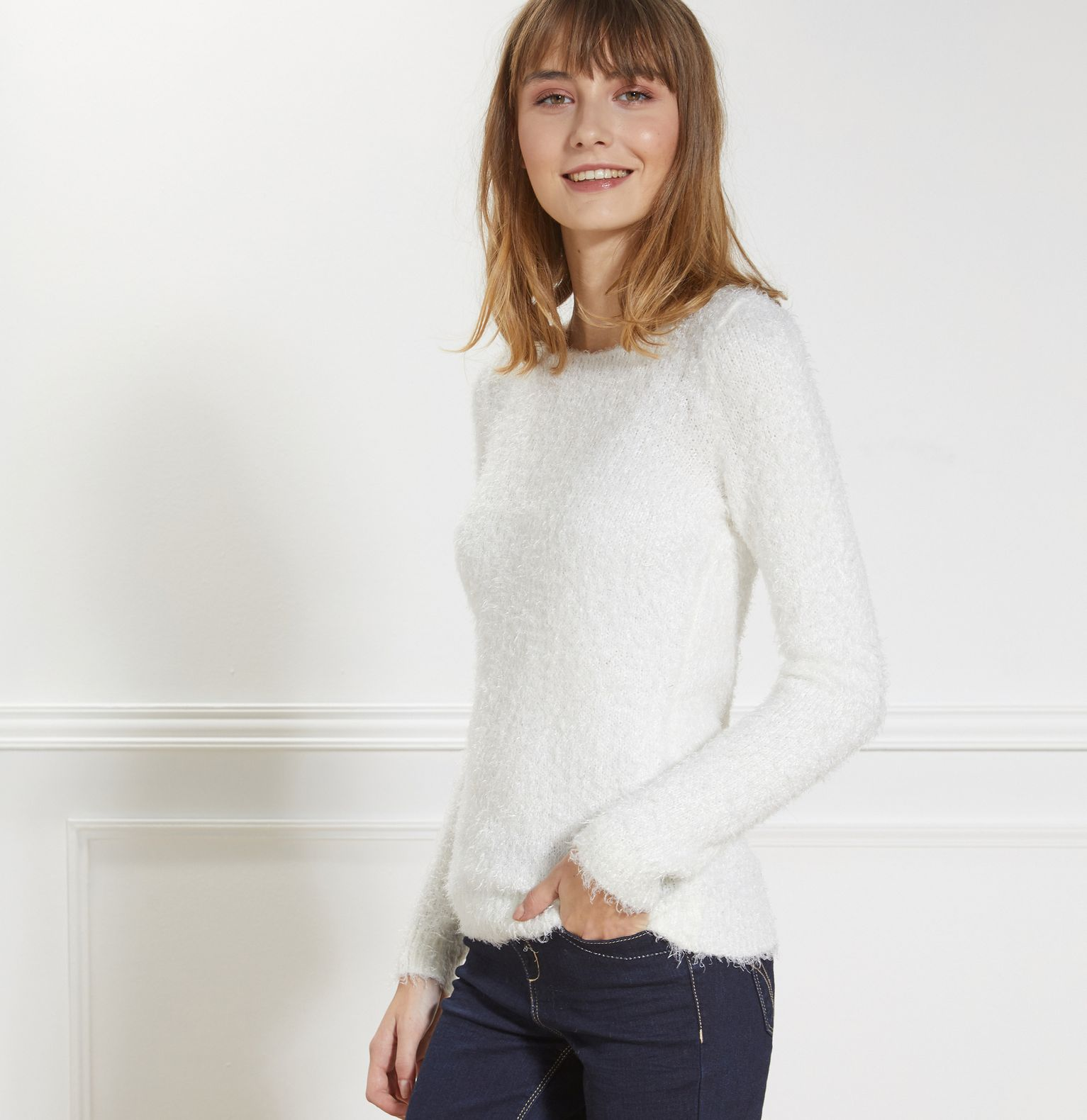 Pull duveteux col rond femme