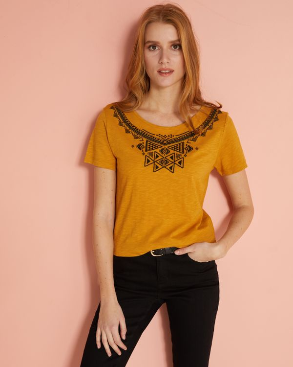 T-shirt femme broderies ethniques