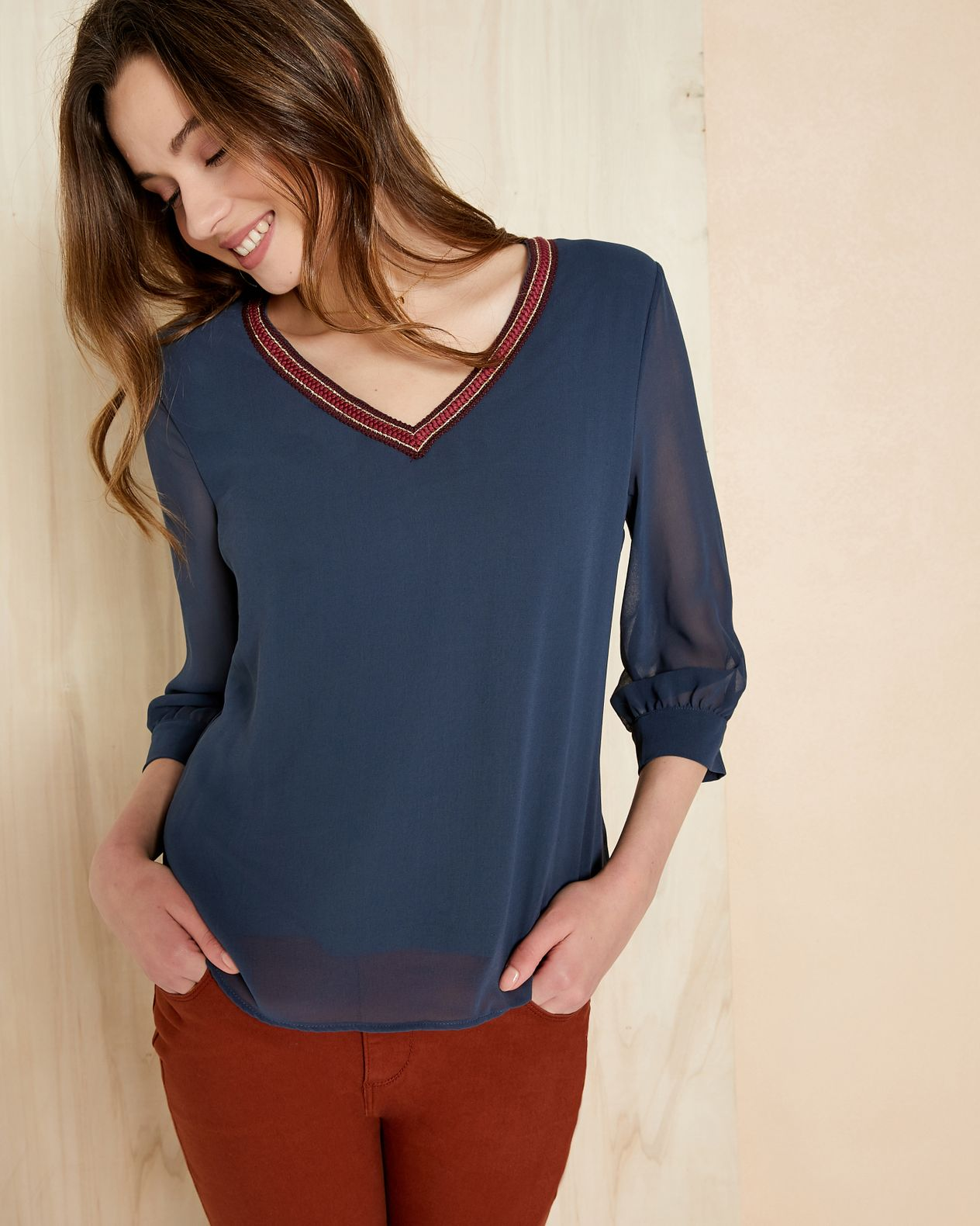 Blouse femme voile col V sporty chic