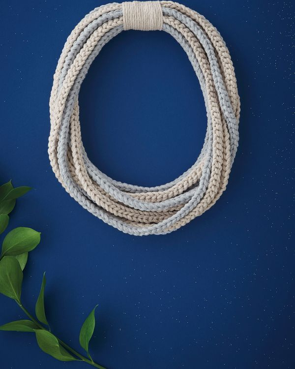 Modèle snood-collier au crochet